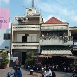 Cho thuê nhà mặt tiền đường Nguyễn Hữu Cảnh, Bình Thạnh, Hồ Chí Minh. DT 300m2