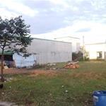 Bán lô đất 2 mặt tiền chợ 600m2, đường nhựa 25m, sổ riêng, xây dựng tự do chỉ 520tr