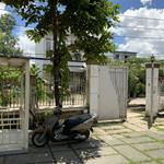 chính chủ cần bán biệt thự vườn mini dt 300m2,có thể mở cty,spa,nhà hàng rất thuận lợi