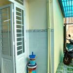 Nhà 2 lầu Q9, cạnh vòng xoay Phú Hữu, đường xe hơi, DTSD: 75 m2, Sổ hồng, giá rẻ