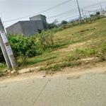 Bán đất nhà 114,1 m2 Bình Chánh ,sổ hồng riêng Giá chỉ 800 tr LH 0909 695 143