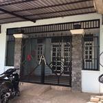 Bán gấp căn nhà cấp 4 ngay Trung Tâm Đức Hòa,125m2,giá 1 tỷ 7,LH:0906617463
