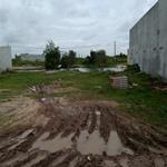 Bán gấp 10 nền đất 100 m2 TC 100% shr giá đầu tư 890 tr trần văn giàu bình chánh