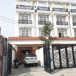 Bán nhà 3 lầu kdc Hồng Long, 122m2 có chỗ đậu Oto.