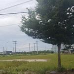 Cần bán 2 nền đất view hồ và khu biệt thự Bình Chánh Gần Cao tốc