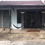 Bán gấp căn nhà ngay sau VP công chứng Đức Hoà, có 5 phòng trọ, 250m2, Sổ hồng riêng