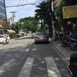 Bán gấp nhà mặt tiền đường Nguyễn Đình Chiểu, phường 5, quận 3.