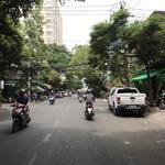 Bán nhà mặt tiền đường Cách Mạng Tháng 8, DT : 4.2x26m, cấp 4 giá chỉ 22.5 tỷ ( VT )