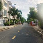 Bán lô đất ngay Aeon Bình Tân, MT Trần Văn Gìau, DT 5x26m, giá 2.6 tỷ. LH 0936638697 chính chủ