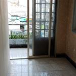 Cho thuê 1 phòng duy nhất nhà mặt tiền 745 Lạc Long Quân Q Tân Bình giá 4,4tr/tháng