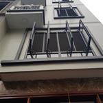 Gia đình cần bán nhà Đông Tác, Đống Đa 40m 5 tầng mặt tiền 4m giá 3.95 tỷ, đẹp không tỳ vết.