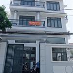 Cho thuê nhà nguyên căn kiểu biệt thự DTSD hơn 600m2 trước cổng UBND Quận 9
