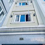 Cho thuê nhà 1 trệt 2 lầu sân thượng mặt tiền hẻm 4m Nguyễn Khoái Quận 4, giáp Quận 1 0359751788