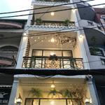 Gia chủ bán nhà đẹp 3 lầu Hoàng Hoa Thám, 4.2*13m, nở hậu: 4.7m, gần café ViVa.(GP)