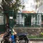 Cho thuê nhà nguyên căn 1 lửng 1 lầu 300m2 tại đường Quốc Hương P Thảo Điền Q2