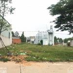 Gia đình cần bán gấp lô đất MT đường 16m, thổ cư 100%,SHR, gần trường Đại học QT