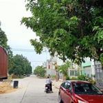 Gia đình về quê sống bán rẻ lô đất TC 300m2, đất rất gần kcn lớn  xung quanh có chợ và trường