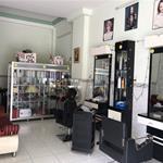 Sang gấp MB tiệm salon tóc đầy đủ vật dụng Mặt tiền Đường số 23 P10 Q6