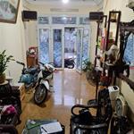 Bán nhà  phân lô, ô tô, Hào Nam, Đống Đa 50m, 4T, MT 4m, giá 8 tỷ 300 triệu. ô tô vào nhà.