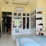 Chính chủ bán nhà 2MT Ngô Gia Tự vị trí đẹp 4x15m 1 trệt 4 lầu đang cho thuê giá cao