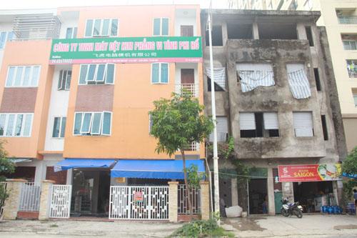 """Hà Nội: Biệt thự """"bỏ hoang"""" thành nơi bán trà đá"""