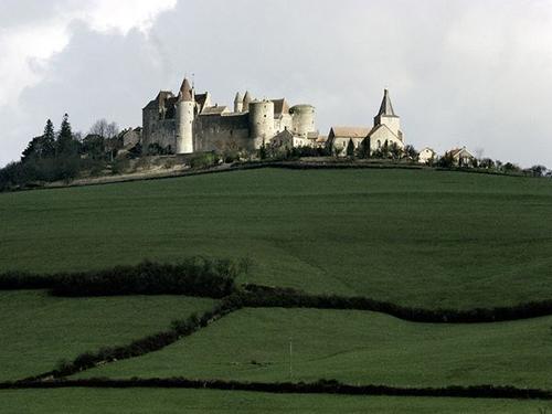 Những lâu đài cổ kính nhất châu Âu