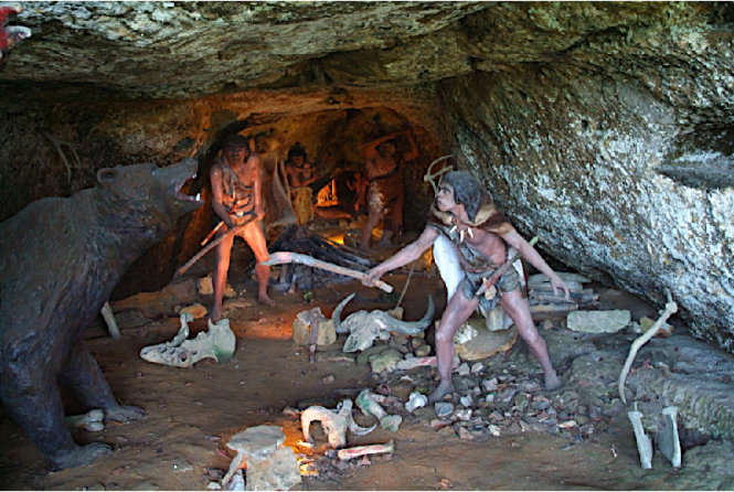 Khám phá những ngôi nhà trong vách đá của người Cro-Magnon