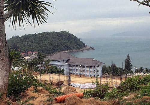 640 betonghoa 1 Chuyên gia lo bán đảo Sơn Trà bị phá hủy vì bê tông hóa