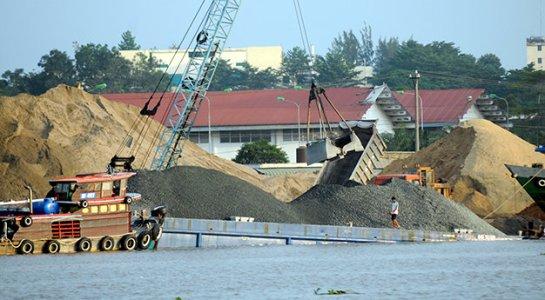 Giá cát quá cao, TP.HCM sử dụng tro, xỉ, thạch cao để sản xuất vật liệu xây dựng