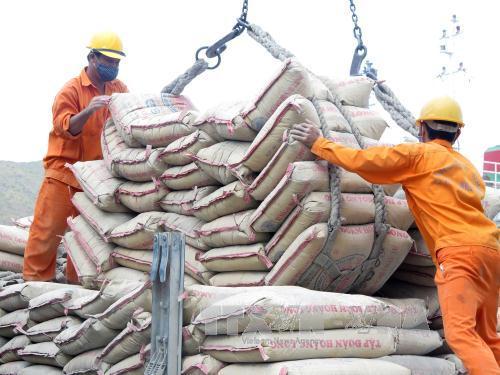 Xuất khẩu xi măng tăng mạnh, 4 tháng đạt gần 10 triệu tấn