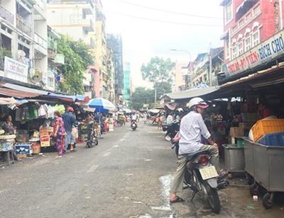 15 năm vẫn chưa thể dời chợ Tôn Thất Đạm