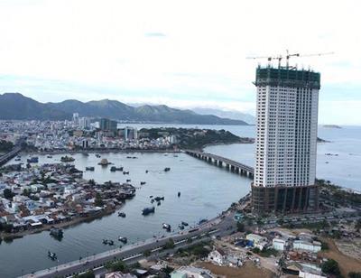 """Mường Thanh Khánh Hòa xin được tháo dỡ 3 tầng xây vượt: Câu hỏi trách nhiệm vẫn """"treo"""""""